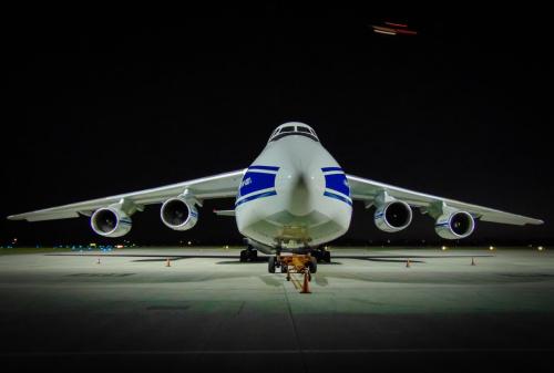 W dniu dzisiejszym odwiedził Warszawskie Lotnisko po raz kolejny jeden z największych samolotów na Świecie, Antonov An-124-100 w barwach Volga-Dnepr.