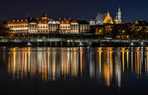 Warszawa .... z praskiego brzegu Wisły