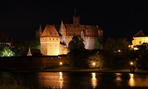 Wieczór, zero turystów, szum rzeki - sam na sam z Zamkiem w Malborku