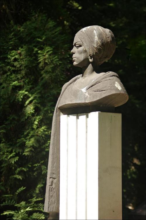 Pamięci Krzysztofa50... [*] Dlaczego to zdjęcie? Bo to za jego sprawą zawsze chciałam być na Cmentarzu Rakowickim i to jest zdjęcie tam zrobione. Dziękuję Krzysztofie :)