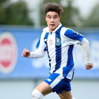 Oficjalnie: Paulo Estrela z nową umową