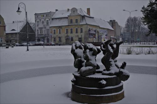 Fontanna z bobasami na Placu Łużyckim w Żarach