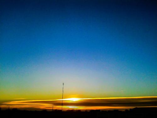 #dzień #słońce #ciepło #zachód #zachódsłońca #chmury #niebo #błękit #niebieski #lato #wiosna