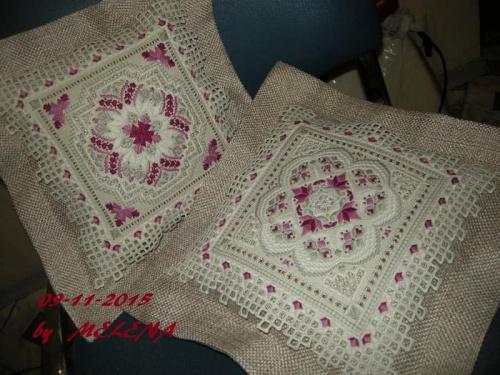подушки выполнены по мотивам дизайнов Judy Dixon