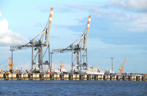 doplywajac do Bremerhaven z wyspy Helgoland mozna zobaczyc wielka fabryke turbin wiatrowych,popularnie nazwane wiatrakami ,Generatory wiatrowe: Male elektrownie wiatrowe, itp.. #Morze #Pólnocne #alicjaszrednicka