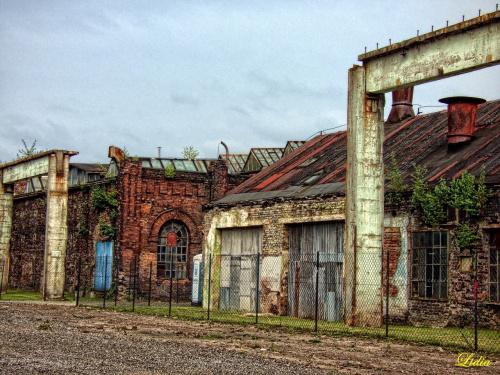 http://www.dziennikzachodni.pl/artykul/9159638,dabrowa-gornicza-dzieki-fabryce-pelnej-zycia-wyrosnie-nowe-centrum-miasta-zdjecia-wideo,id,t.html