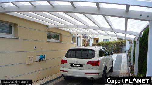 zadaszenie nad samochód z drewna projekt p2 poliwęglan lity Fastlock Uni opal